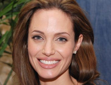 Анджелина Джоли вновь шокировала поклонников. Ты только взгляни на ее руки! (ФОТО)
