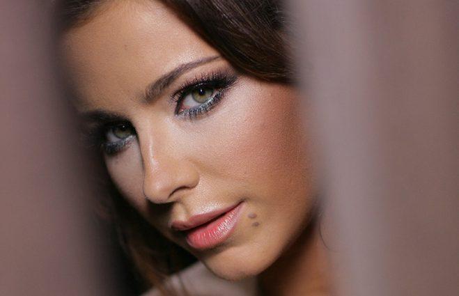 Ани Лорак перепела песню Адель (видео)
