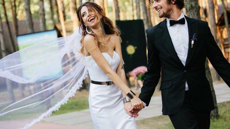 Украинские звезды похвастались свадебными нарядами (ФОТО)