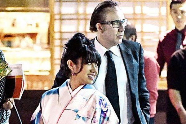 1468850448_nikolasa-keydzha-zasekli-za-poceluem-s-zhenschinoy-v-kimono-foto-1