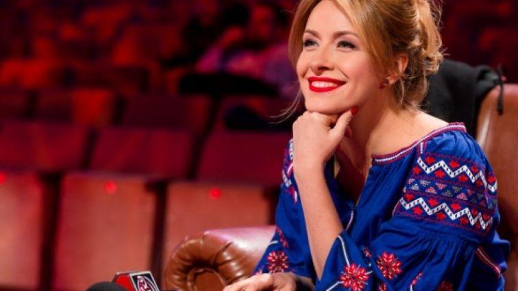 Елена Кравец поразила стильным нарядом для беременных (ФОТО)