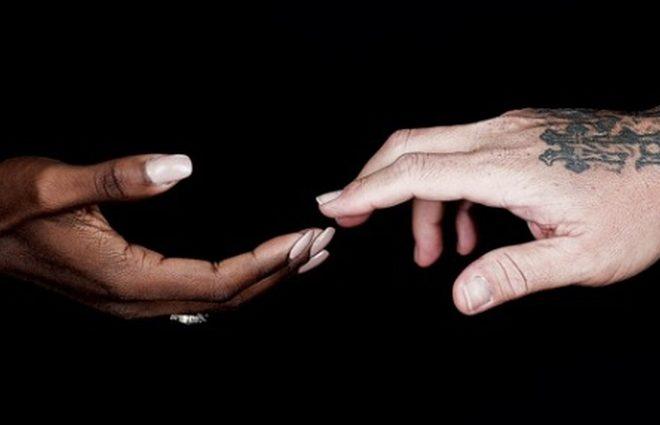 Дженнифер Лопес и Бритни Спирс записали песню в память о погибших в Орландо (видео)