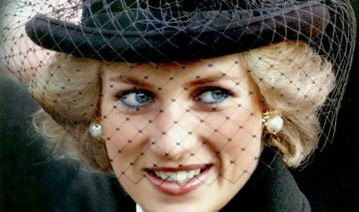 Ранее неизвестные фото со свадьбы принцессы Дианы попали в сеть (ФОТО)