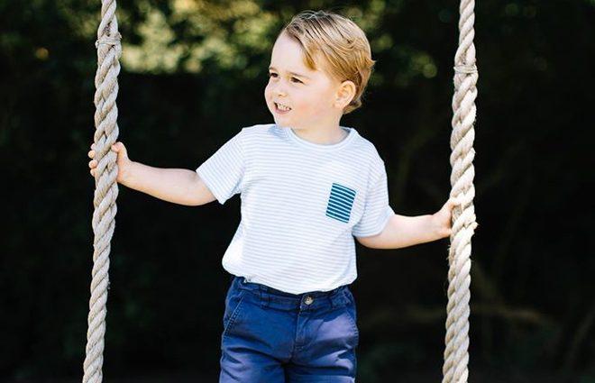 Принц Джордж впервые сам появился на обложке глянца (фото)