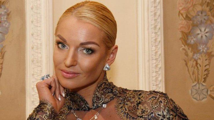 Балерина Волочкова показала, каким образом заслужила дорогое авто в подарок (ФОТО)