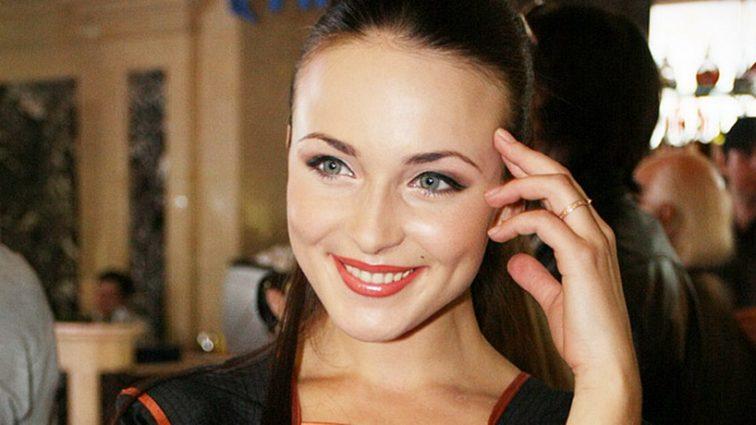 Известной российской актрисе парализовало ноги