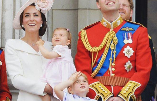 Кейт Миддлтон и принц Уильям поделились снимками подросшего сына (фото)