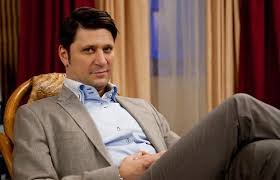 Звезда сериала «Счастливы вместе» признался, что дружит с экс-женами Украина (фото)
