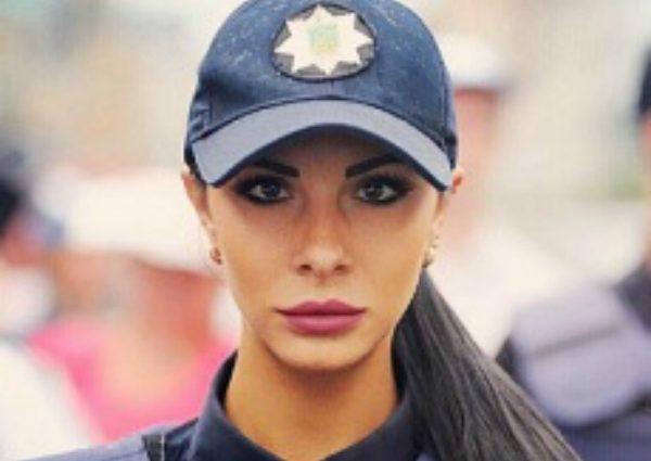 Полицейская Милевич показала синяки и задницу в дырках (ФОТО)
