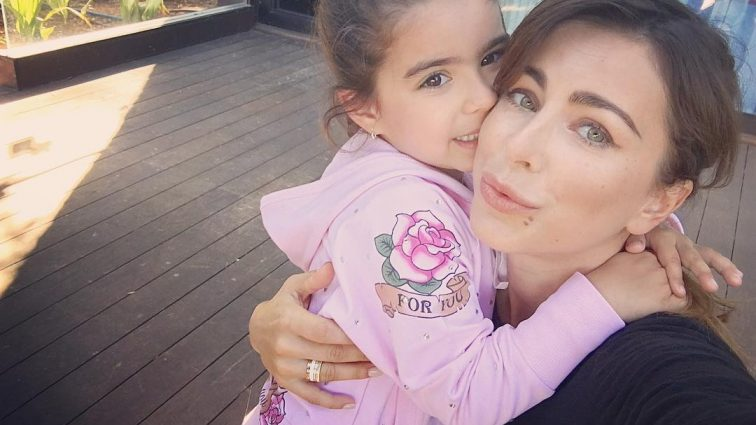 Узнай почему Ани Лорак переживает за психику дочери (фото)