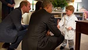 Двухлетний принц Джордж назван главной иконой детской моды (фото)