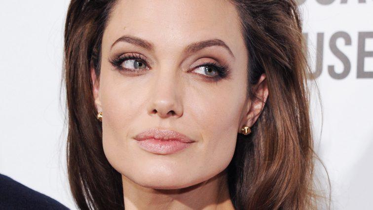 Анжелина Джоли изменяет Брэду Питту с молодым любовником (фотодоказательство)