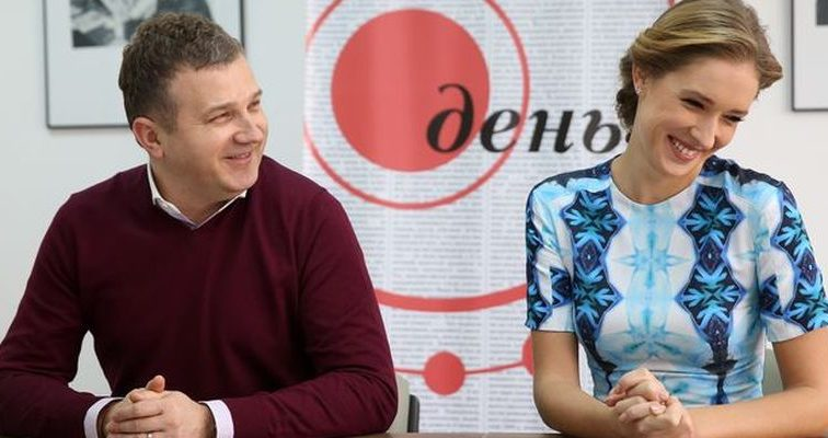 Служебный роман? Катя Осадчая и Юрий Горбунов проводят вместе отдых (ФОТО)