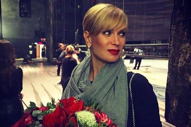 42-летняя актриса Олеся Судзиловская показала стройные ножки (фото)