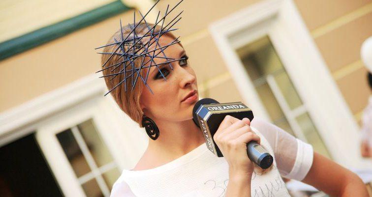 Украинская телеведущая Катя Осадчая в очень коротком платьице (ФОТО)