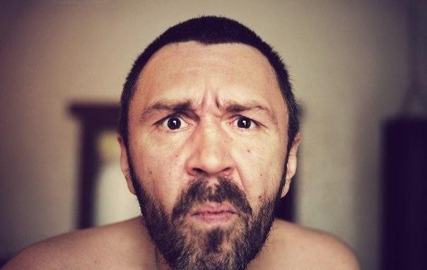 И смех, и грех: Фастфуд судится с Сергеем Шнуровым из-за… веселого стишка (ФОТО)