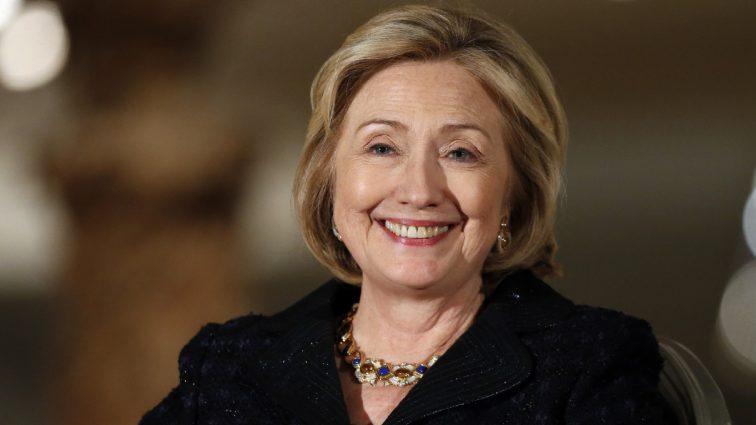 Хиллари Клинтон поздравила мужа с юбилеем свадебным снимком (фото)