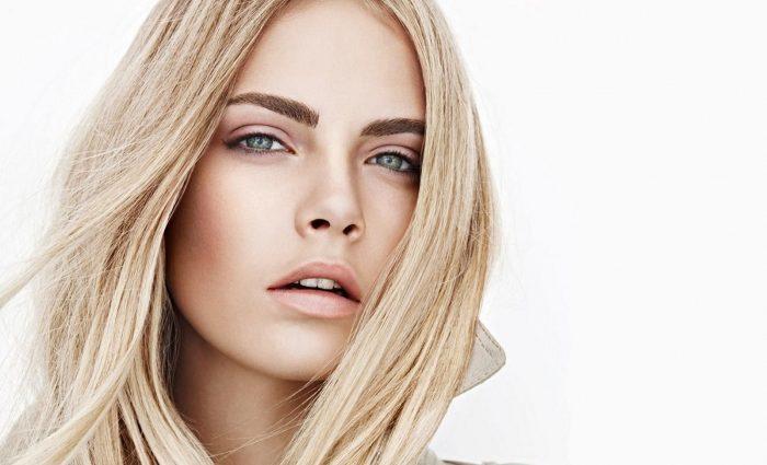 23-летняя модель Кара Делевинь призналась, что плачет каждый день