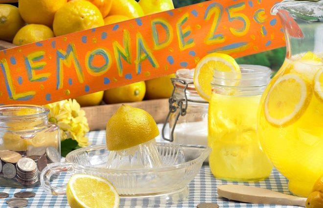 День лимонада от фонда «Таблеточки»: выжать из лимонов 1 миллион гривен (фото)