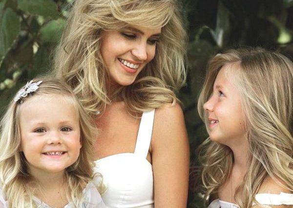Наталья Ионова (Глюкоза) станцевала с дочками фламенко (ВИДЕО)