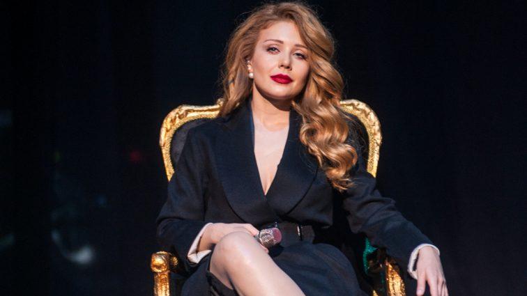 Тина Кароль поделилась с фанатами новостью, которая сразу же стала сенсацией (ФОТО)