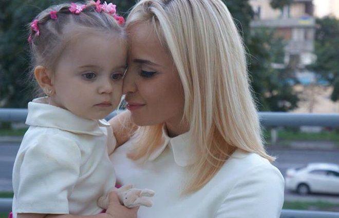 По стопам матери: 4-летняя дочь Лилии Ребрик приняла участие в съемках для модного журнала (фото)