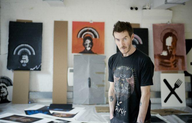 СМИ: за личностью Бэнкси скрывается основатель группы Massive Attack (фото)