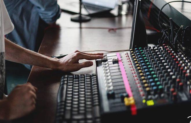 Открытие по-тихому: стартует новый сезон на Радио Аристократы (фото)