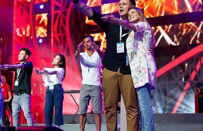 «Новая волна 2016»: во второй конкурсный день украинка снова получила наивысший балл от судей (видео)
