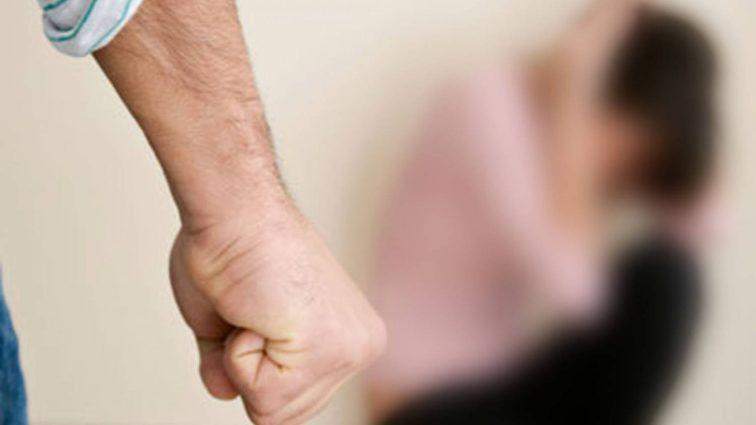 Елену Кравец жестоко избил муж на глазах дочери (ФОТО)