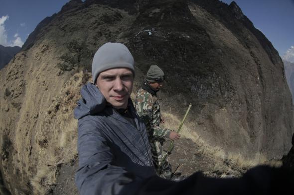 Дмитрий Комаров покажет, как искал со спасателями самолет, который разбился в Гималаях (фото)