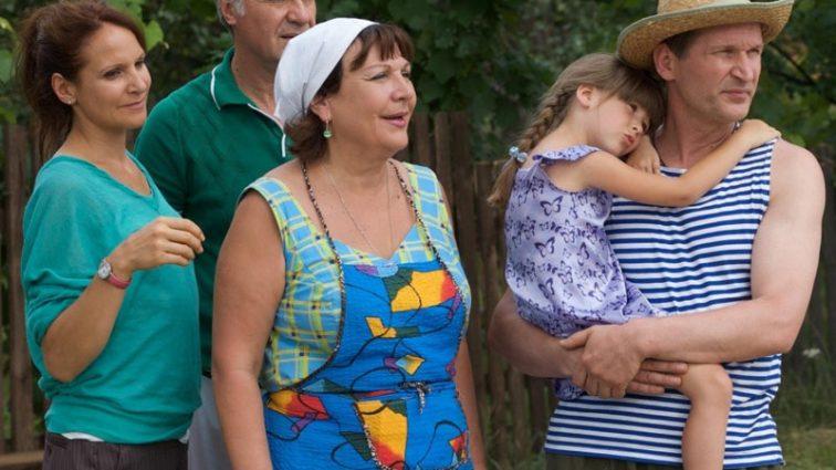 Звезда сериала «Сваты» похвасталась фигурой в бикини (ФОТО)