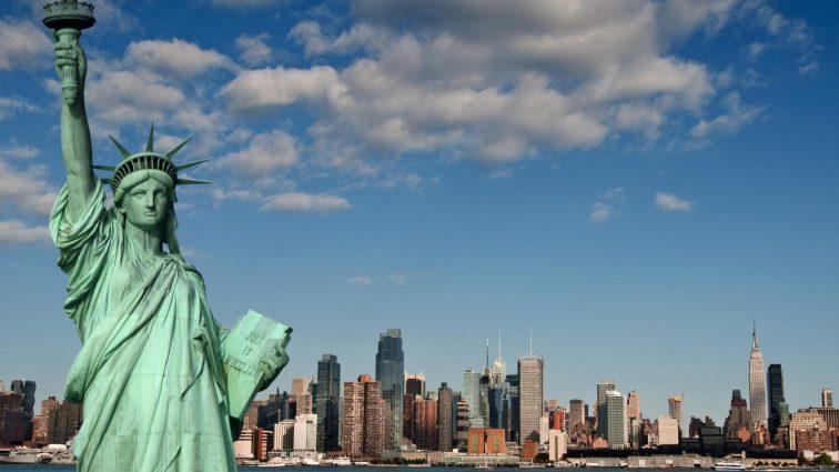 В США назвали самую красивую американку (фото)