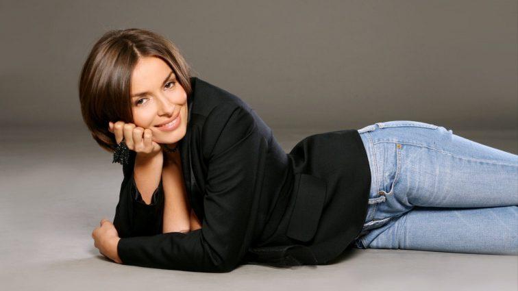 Экс-«ВИА Гра» Надежда Мейхер обнажила пышную грудь (ФОТО)