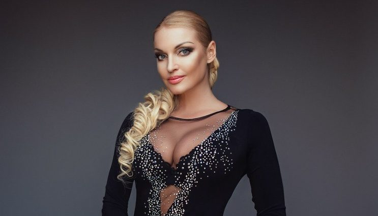 Анастасия Волочкова шокировала кожаным костюмом без нижнего белья (ФОТО)