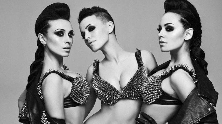 Волочкова-стайл: сексапильная экс-участница группы NikitА опубликовала фото шпагата без трусов (ФОТО)