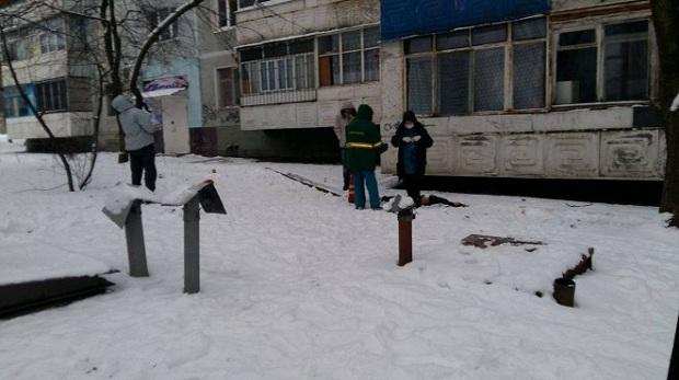 Дочь скандального депутата, которая пыталась совершить самоубийство на глазах у сестры и ее детей выбросилась из окна (ФОТО)