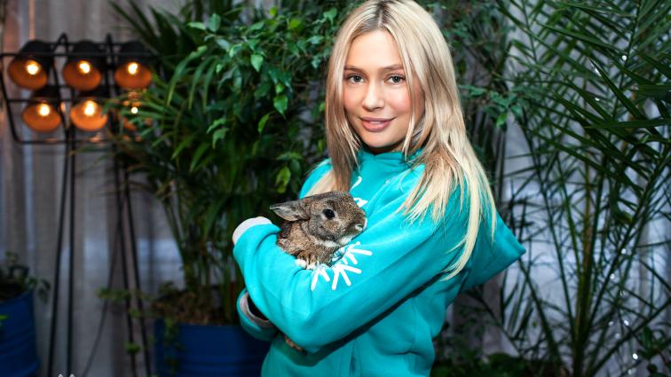 «Что же там в трусах?» Актриса Наталья Рудова шокировала фанатов развратным фото (18+)