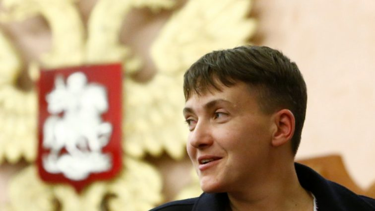 «А-ля Хмельницкий»: шапка Надежды Савченко свела с ума пользователей соцсетей (ФОТО)