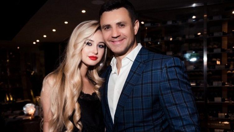22-летняя невеста Николая Тищенко обнажила свою огромную грудь в развратной фотосессии (ФОТО)