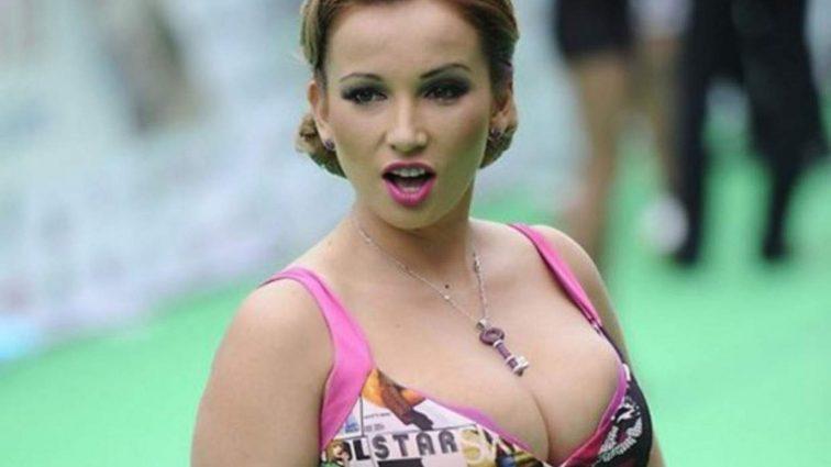 Забыла трусы одеть: Анфиса Чехова показала обнаженные интимные места в прозрачном белье (ФОТО 18+)