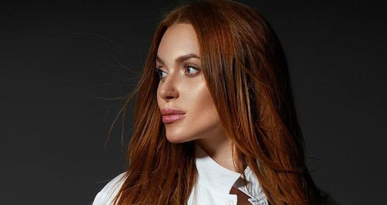 Вы только посмотрите на нее: Слава Каминская «перекроила» лицо и стала копией Анджелины Джоли (ФОТО)