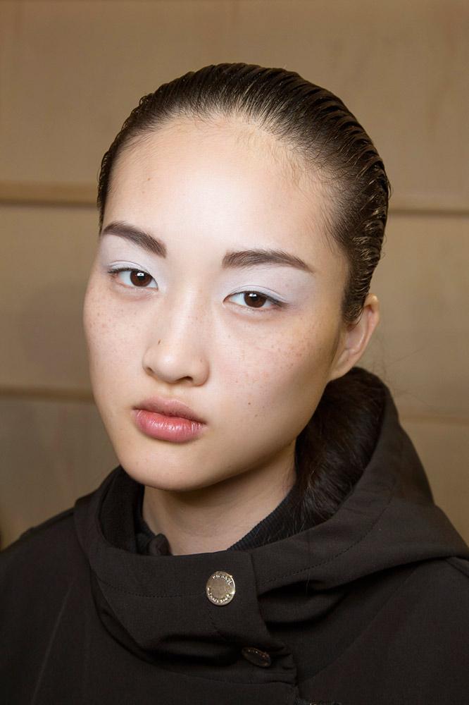 09-sacai-fall-2015-white-eyeshadow