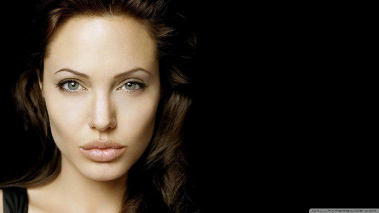 Анджелина Джоли жалуется из-за отсутствия поддержки