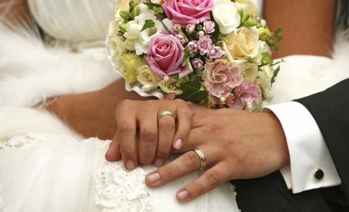 Не стало еще одного холостяка: известного украинского шоумена уличили в тайном бракосочетании (ФОТО)