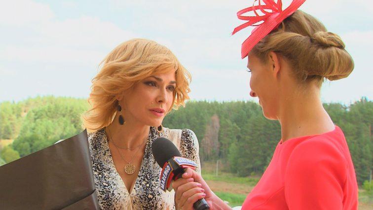 Посмешище: Ольга Сумская показала фото, где она в роскошном наряде, а ее муж похож на чучело (ФОТО)