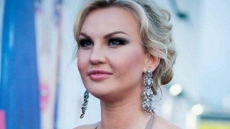 Звездный бэби-бум: певица Камалия показала округлившийся животик (ФОТО)