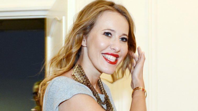 Ксения Собчак гордится своим пышным бюстом после родов (ФОТО)
