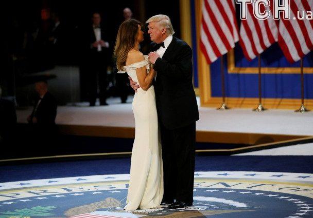 Первый танец под Синатру: как Дональд Трамп с женой Маланью кружили в традиционном танце на инаугурационном балу (ФОТО, ВИДЕО)
