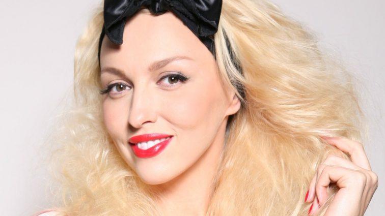 Оля Полякова удивила своим внешним видом в бикини (фото)